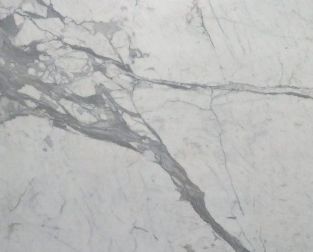 Белый итальянский мрамор Statuario